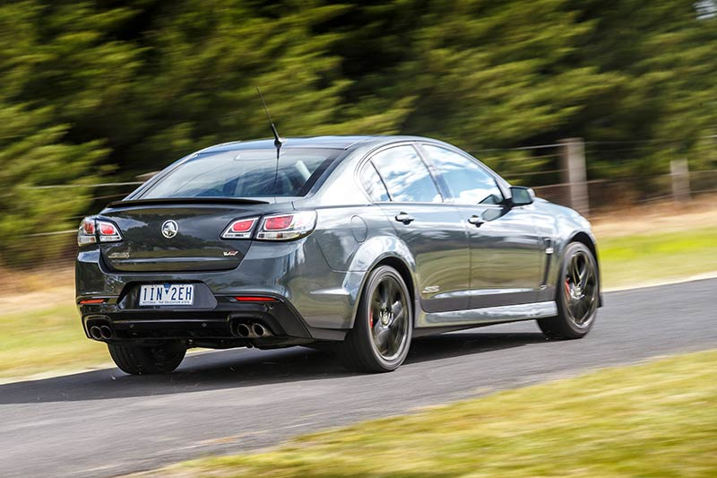 Holden -vf -commodore -onroad -2
