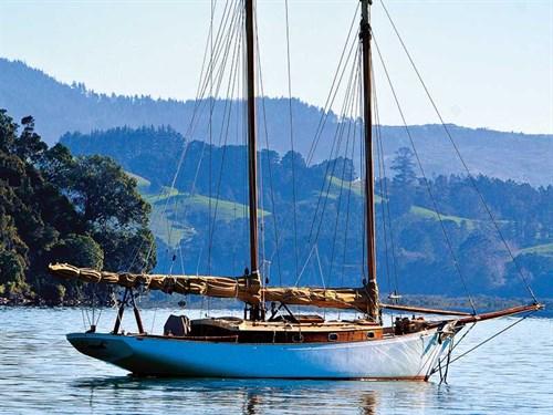 A -boat -classic