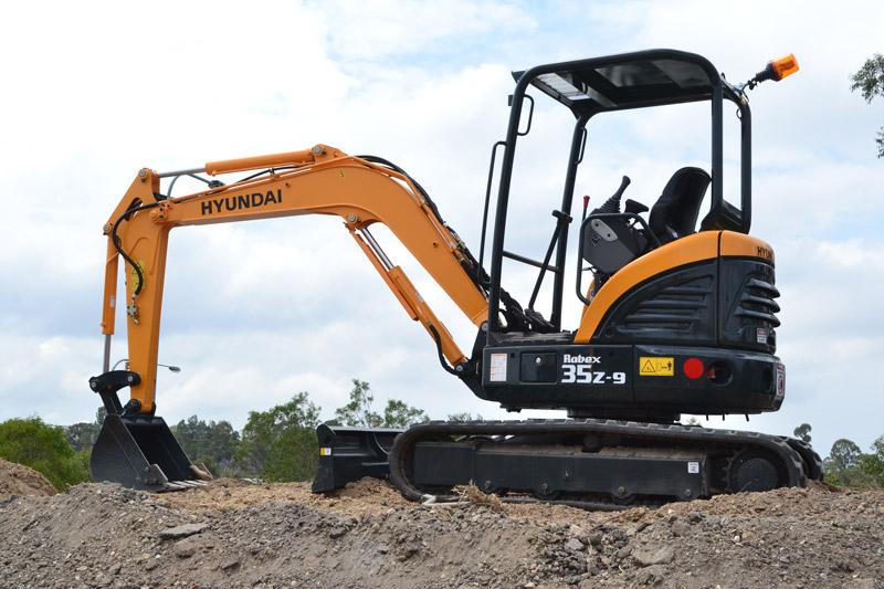 Hyundai -R35Z-9-excavator