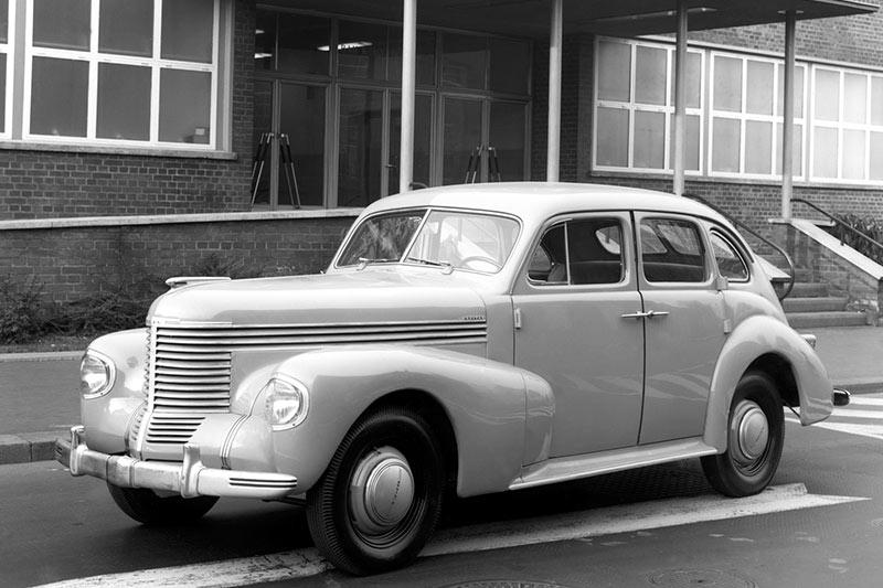 Holden -12