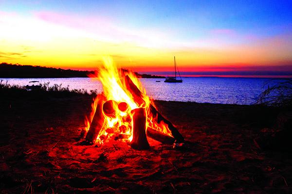 11 Beach Camping Hacks 4