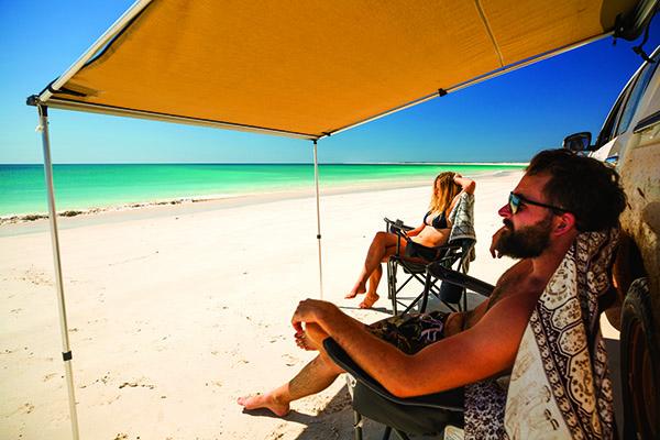 11 Beach Camping Hacks 6