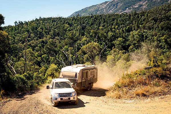 Mitsubishi -Pajero -towing -JB-Scorpion -caravan -in -Victorian -High -Country