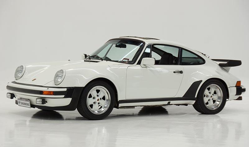 Porsche -930