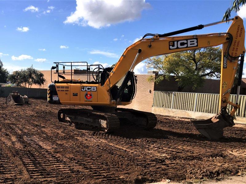JCB-JS200LC-excavator