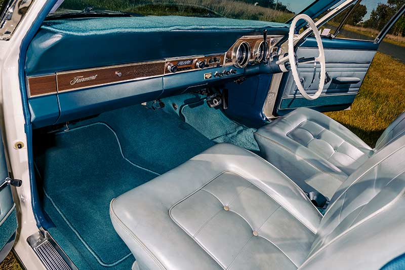 Ford -falcon -interior