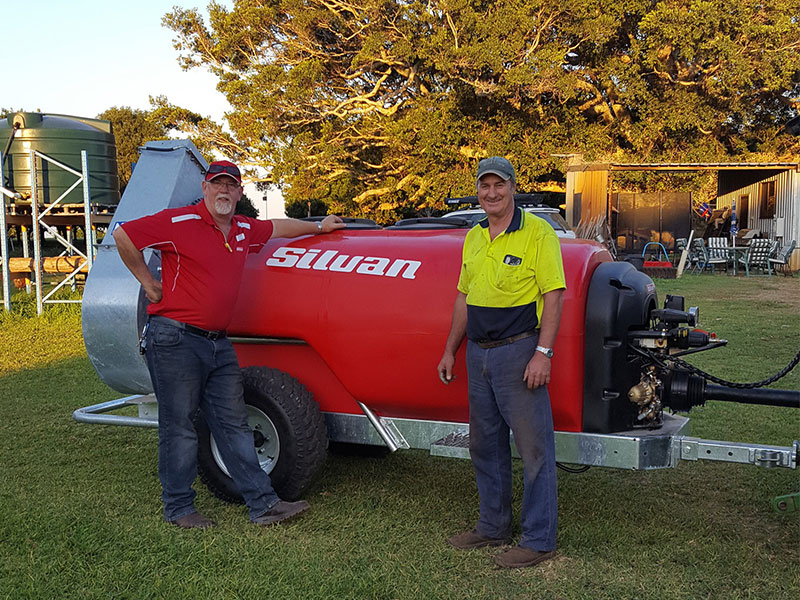 Silvan representative Ian Davison with Mark Smith with the new Silvan Cannon Jet Sprayer.
