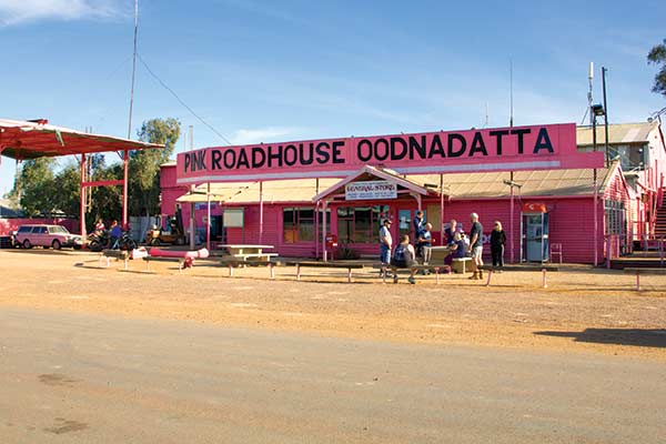 Pink -Roadhouse -at -Oodnadatta -Track