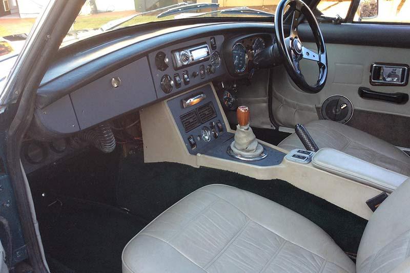 Mgb -gt -interior