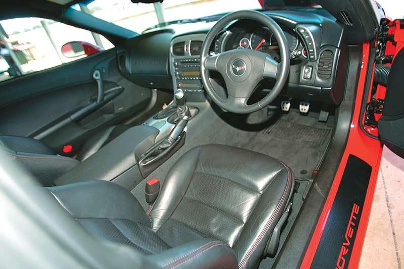 Corvette -z 06-interior