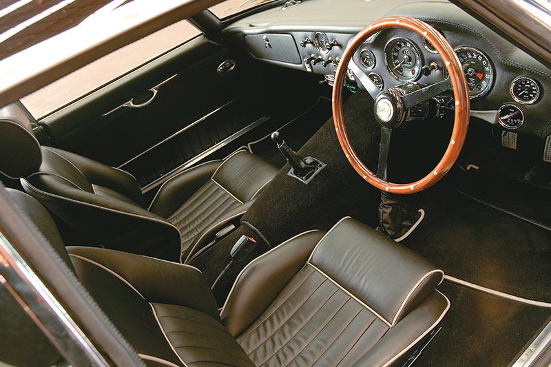 Aston -martin -8
