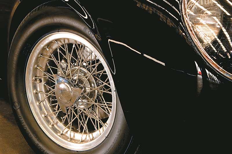 Aston -martin -wheel