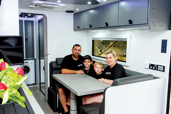 Family -in -a -caravan -at -Option -RV-rally