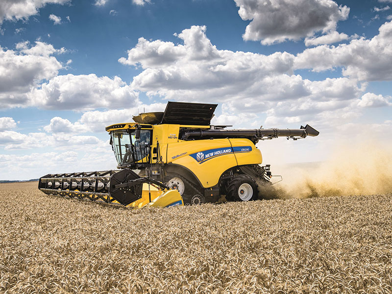 The New Holland CR10.90 harvesting