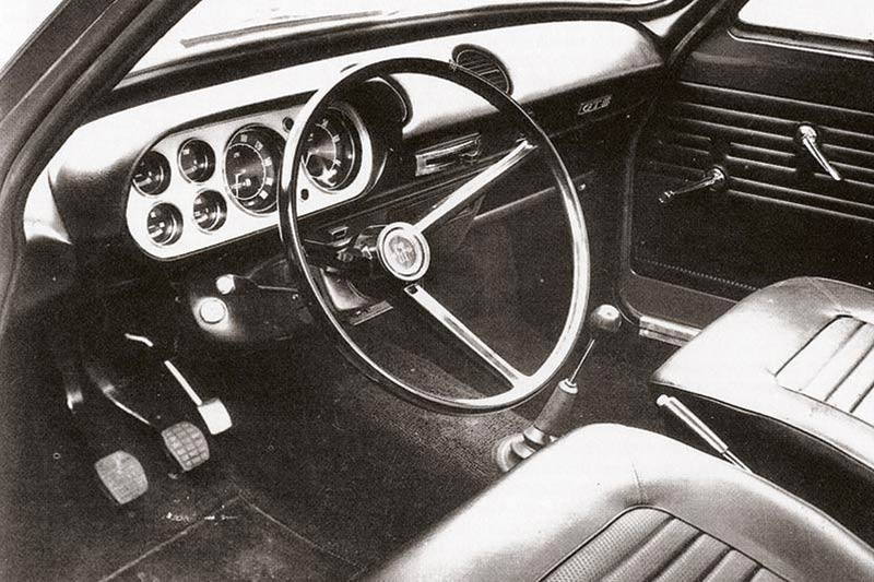 Ford -escort -interior -front