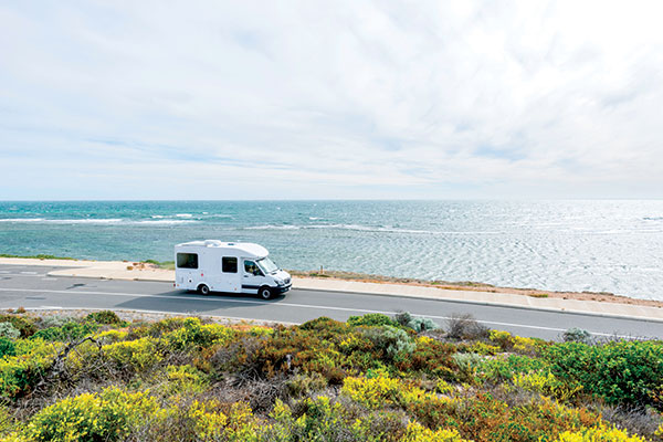 Dongara -motorhome -on -the -road