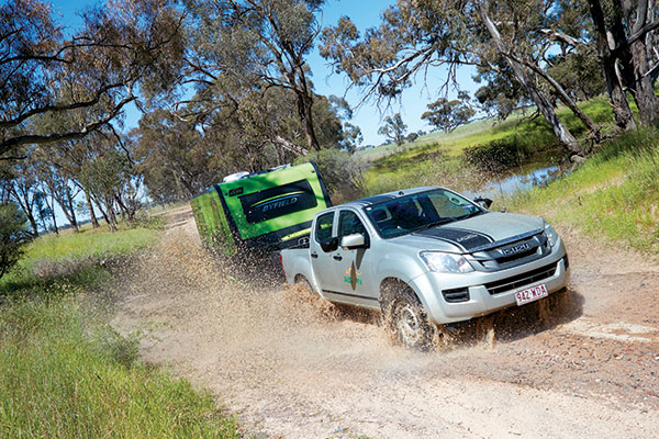 Towing -Byfield -caravan -through -the -dirt -road -at -Best -Aussie -Vans -2017