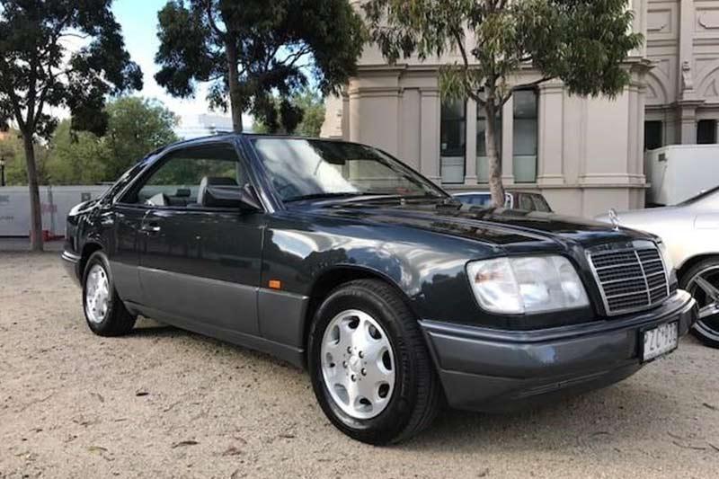 Mercedes -benz -e 220