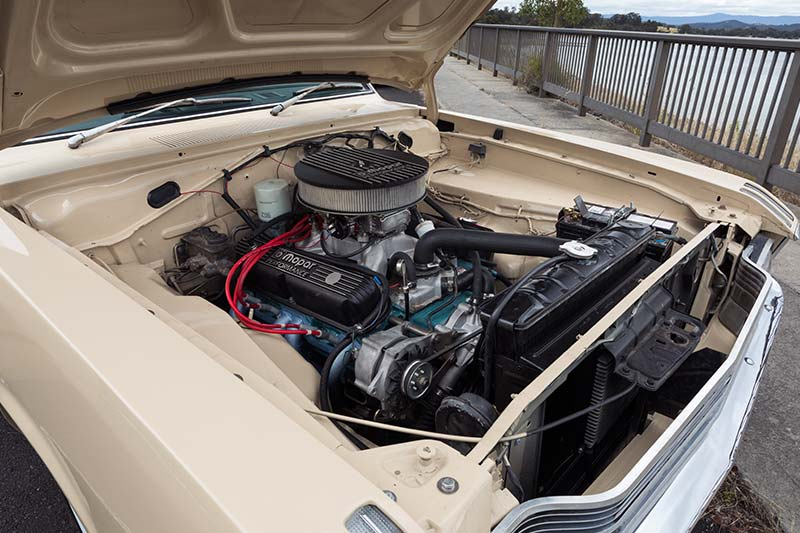 Chrysler -vf -valiant -engine -bay