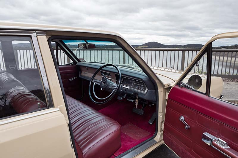 Chrysler -vf -valiant -interior