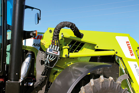 A Mach Quick coupler is standard, making it easy to take the loader off