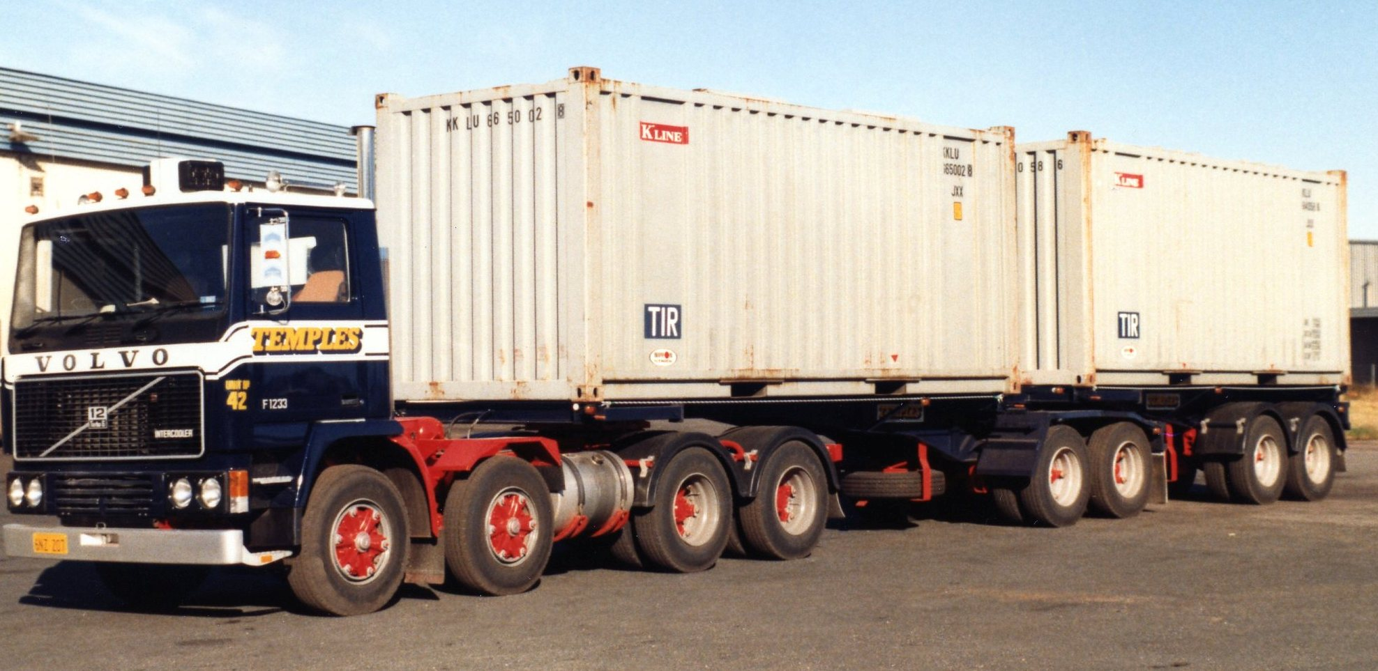 The first ever b-double to hit Australia's roads, with Canadian b-train design and equal length trailers