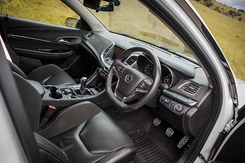 R 8-clubpsort -interior