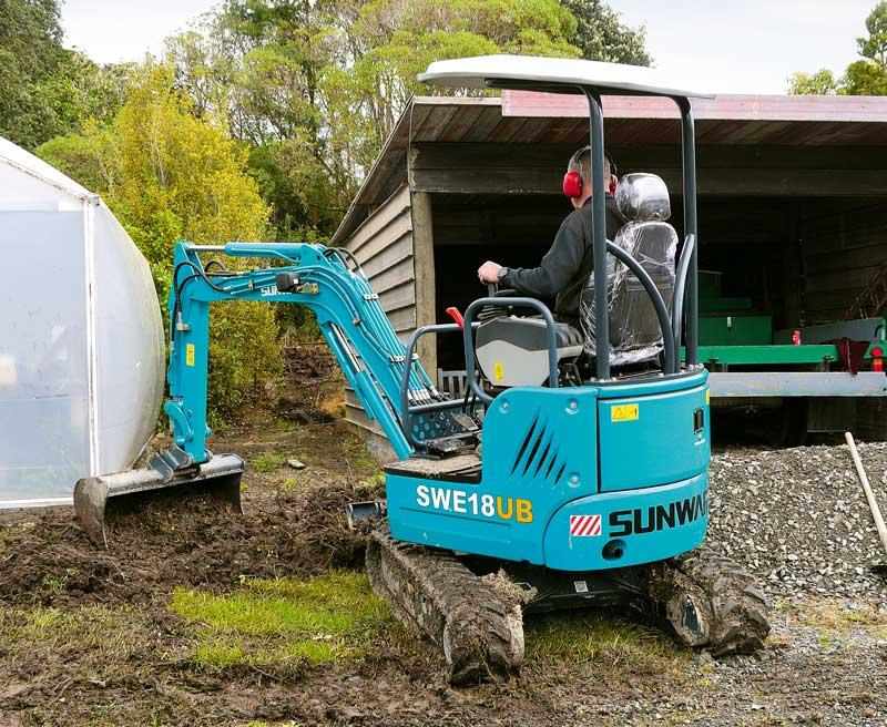 Sunward SWE18UB mini excavator