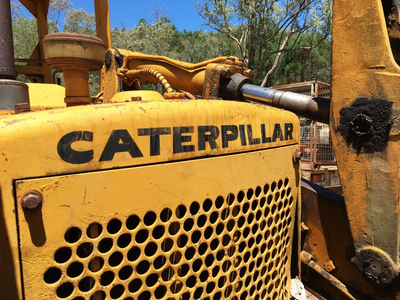 Cat 941B crawler loader | Review & Specs