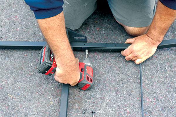 Assembling -caravan -stoneguard -frame