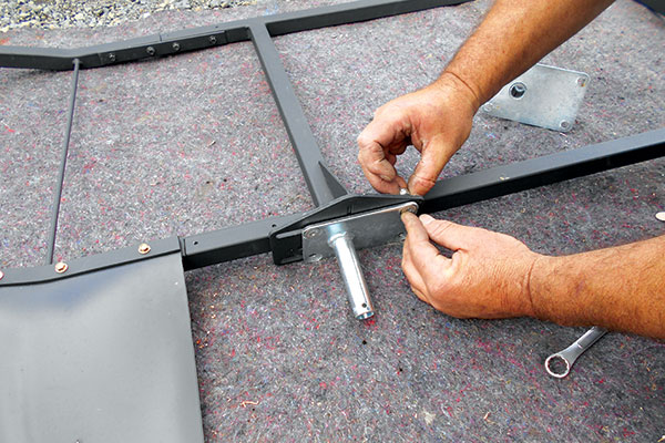 Assembling -caravan -stoneguard -frame -3