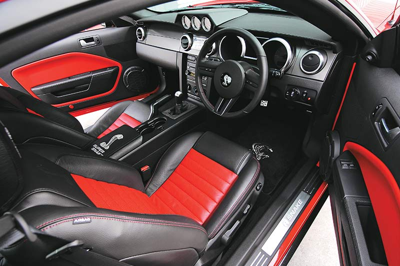 Shelby -gt 500-super -snake -interior