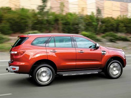 SIDEBAR_Ford _Everest _Titanium