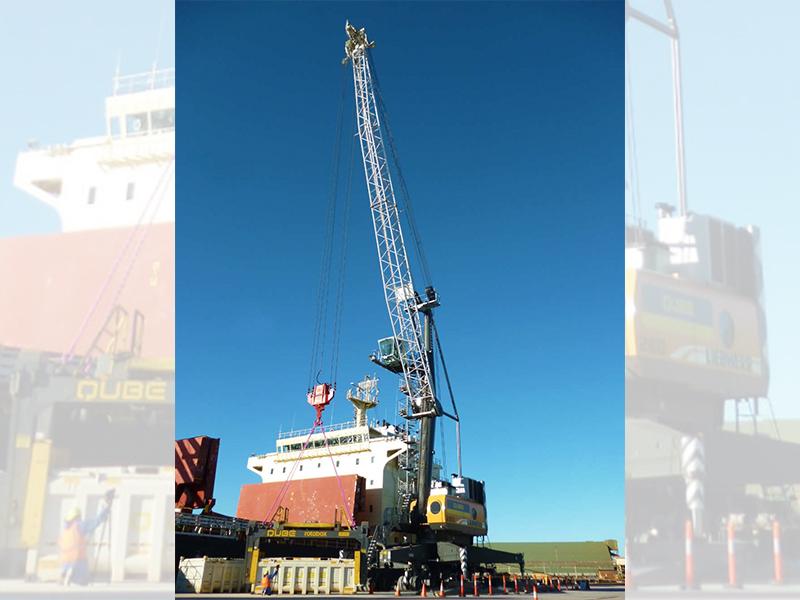 Liebherr LHM 420 mobile harbour crane