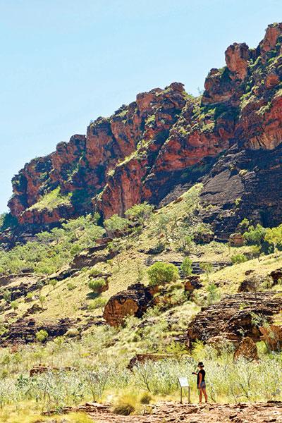 Sandstone -escarpments -on -the -Goorrandalng -walk -in -Keep -River -National -Park -NT