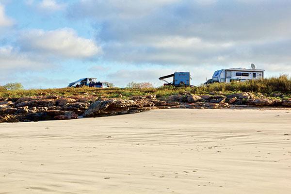 Beachfront -camping -at -Quandong -Point -in -Dampier -Peninsula -WA