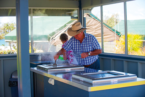 People -cooking -BBQ-at -the -Tweed -Coast -Holiday -Park