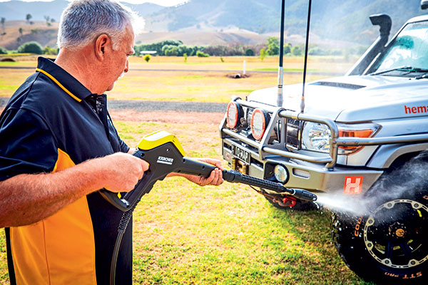 Karcher -high -pressure -washer -cleaning -a -car
