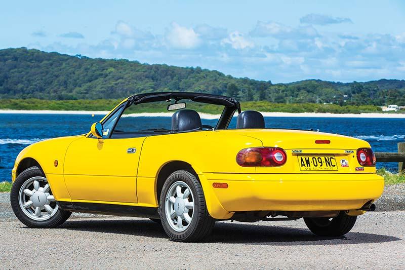 Mazda -mx 5-rear