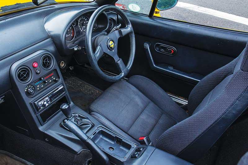 Mazda -mx 5-interior -2