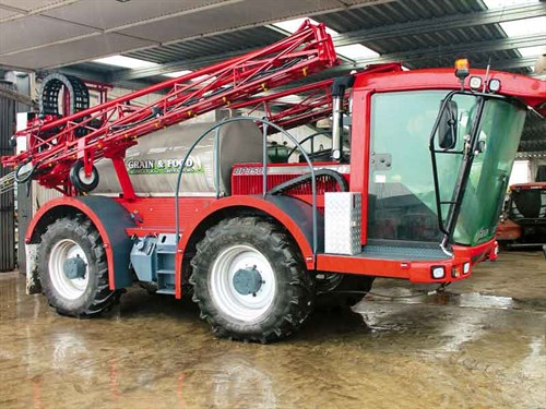 Grain -&-Food 's -custom -built -sprayer -was -built -from -a -JCB-Fastrac -with -a -Claas -chopper -cab -mounted -on -the -front