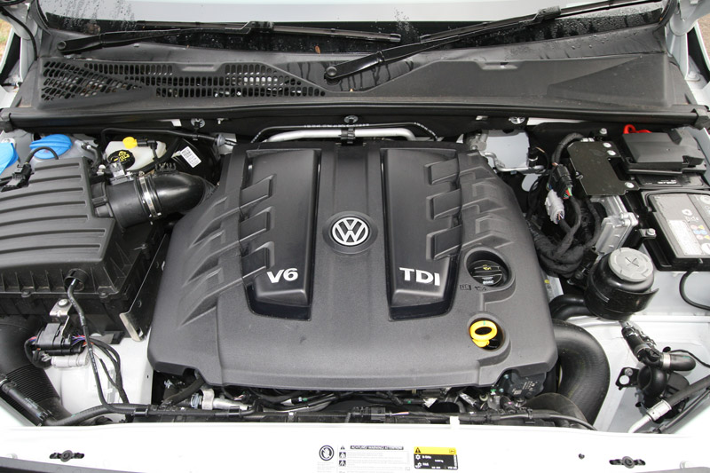 Volkswagen -Amarok -V6-Sportline