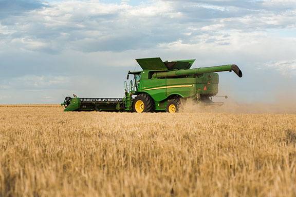The John Deere S780 combine harvester in a field
