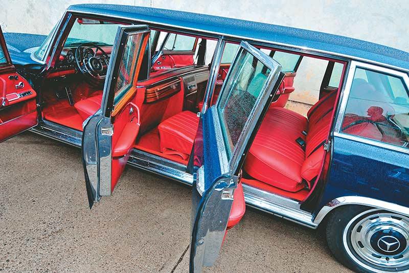 Mercedes -benz -pullman -interior -2