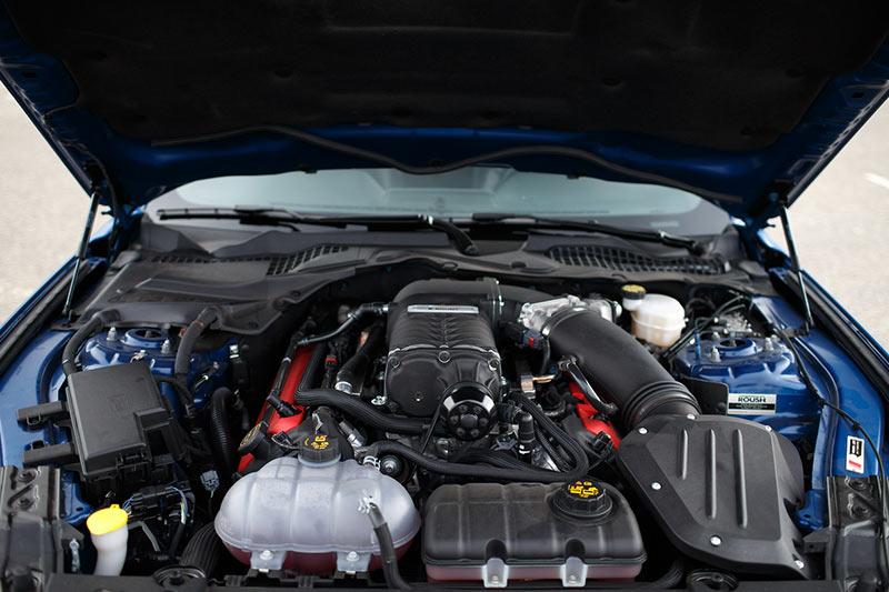 Roush -mustang -engine -bay