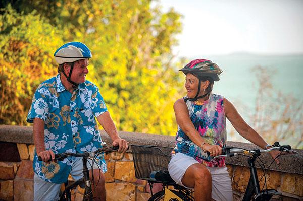 Couple -cycling -in -Darwin -NT