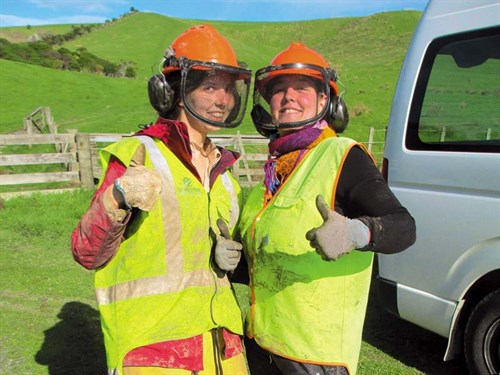 Somtimes -volunteering -can -get -a -bit -messy !-Credit ---Conservation -Volunteers -NZ