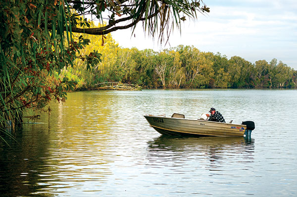 Fishing -at -the -Roper -River -in -Limmen -National -Park -NT