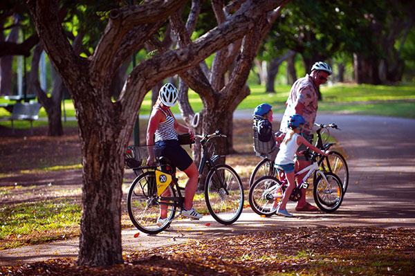 Family -riding -a -bike -in -Darwin -NT