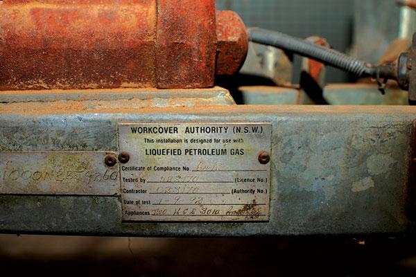 Camper -trailer -gas -certificate -plate